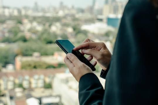 immagine Dipendenza dagli smartphone o depressione? Ecco quale arriva prima